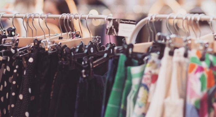 Shop vintage fashion Paris